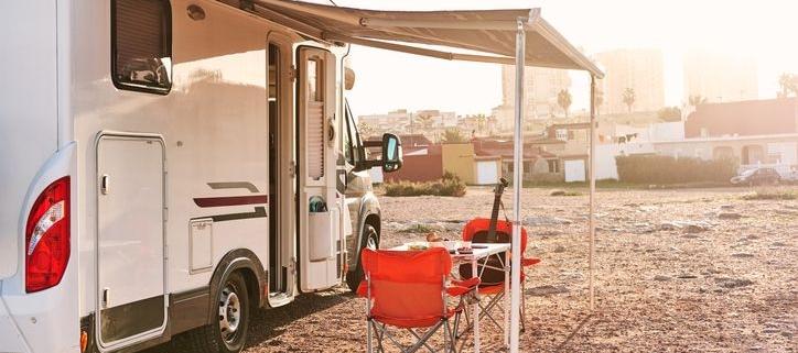 acampar con caravana